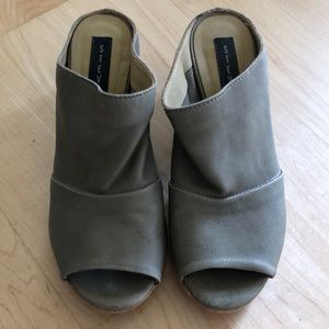 Steve by Steve Madden Block heels